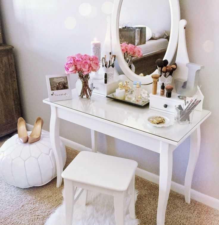 Как выбрать туалетный столик для интерьера, оригинальные цвета и варианты дизайна