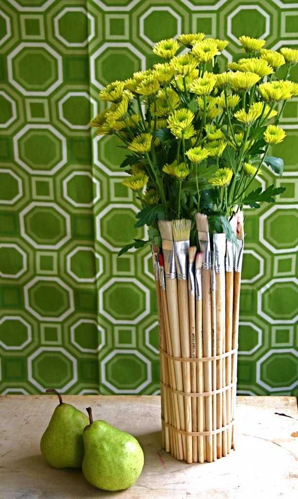 Напольная ваза своими руками: как сделать высокое изделие из сантехнической трубы и трехлитровых банок?